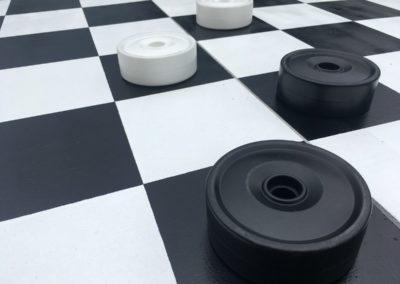 Dames et échecs géants